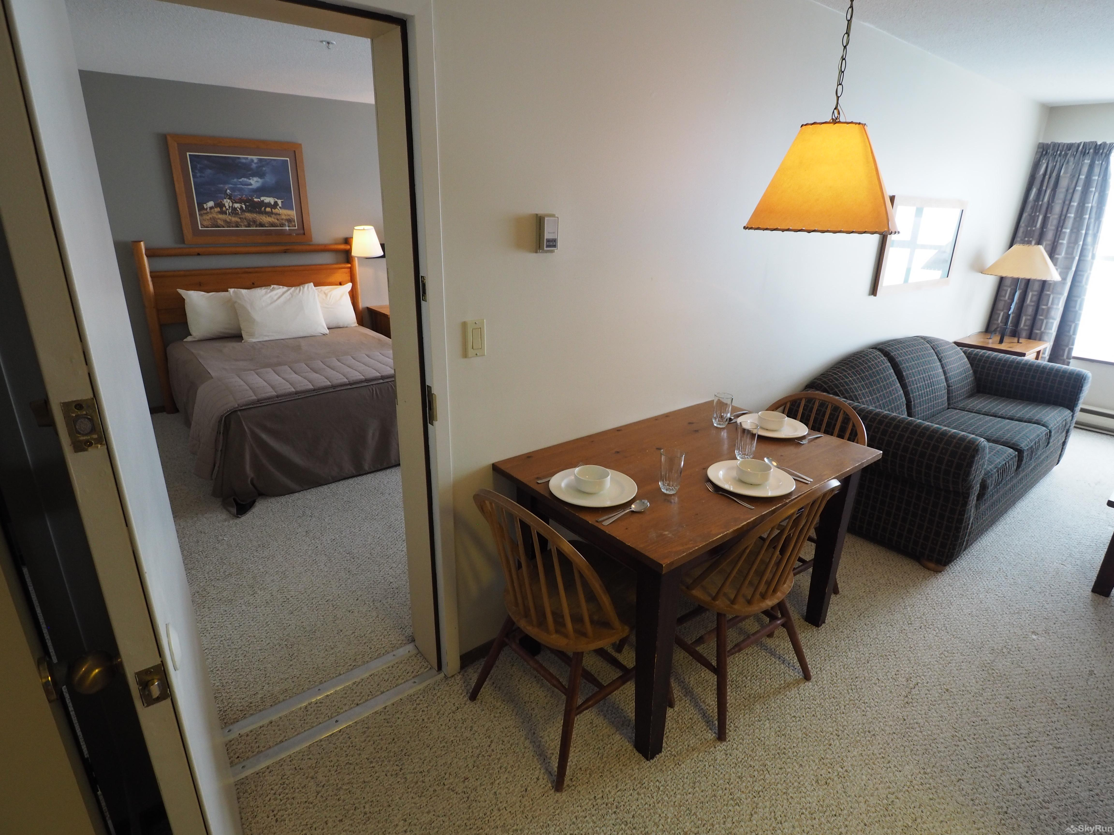 Apex Mountain Inn 1 BDRM Suite 323-324 Bedroom/dining room