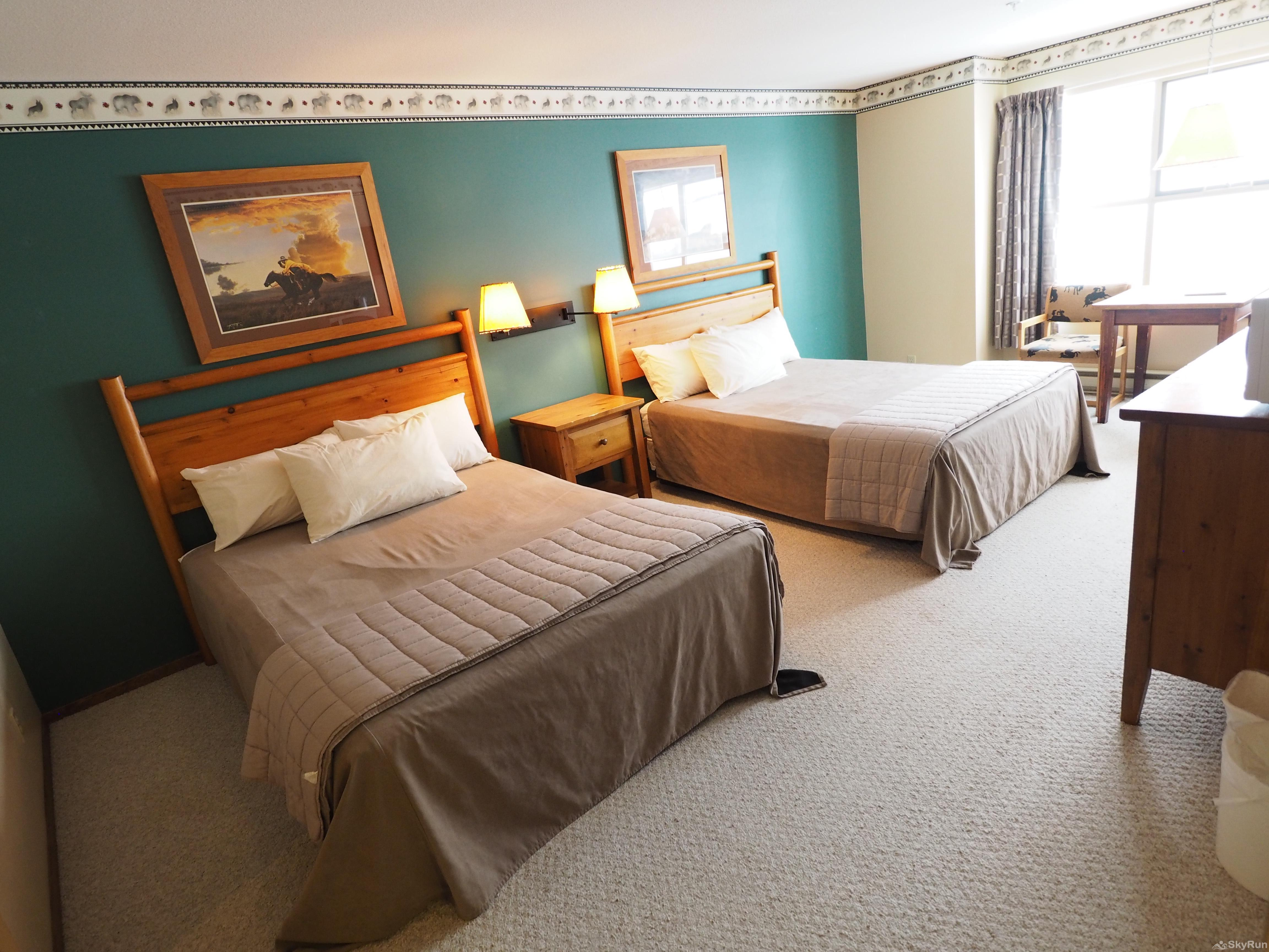 Apex Mountain Inn 1 BDRM Suite 205-206 Bedroom