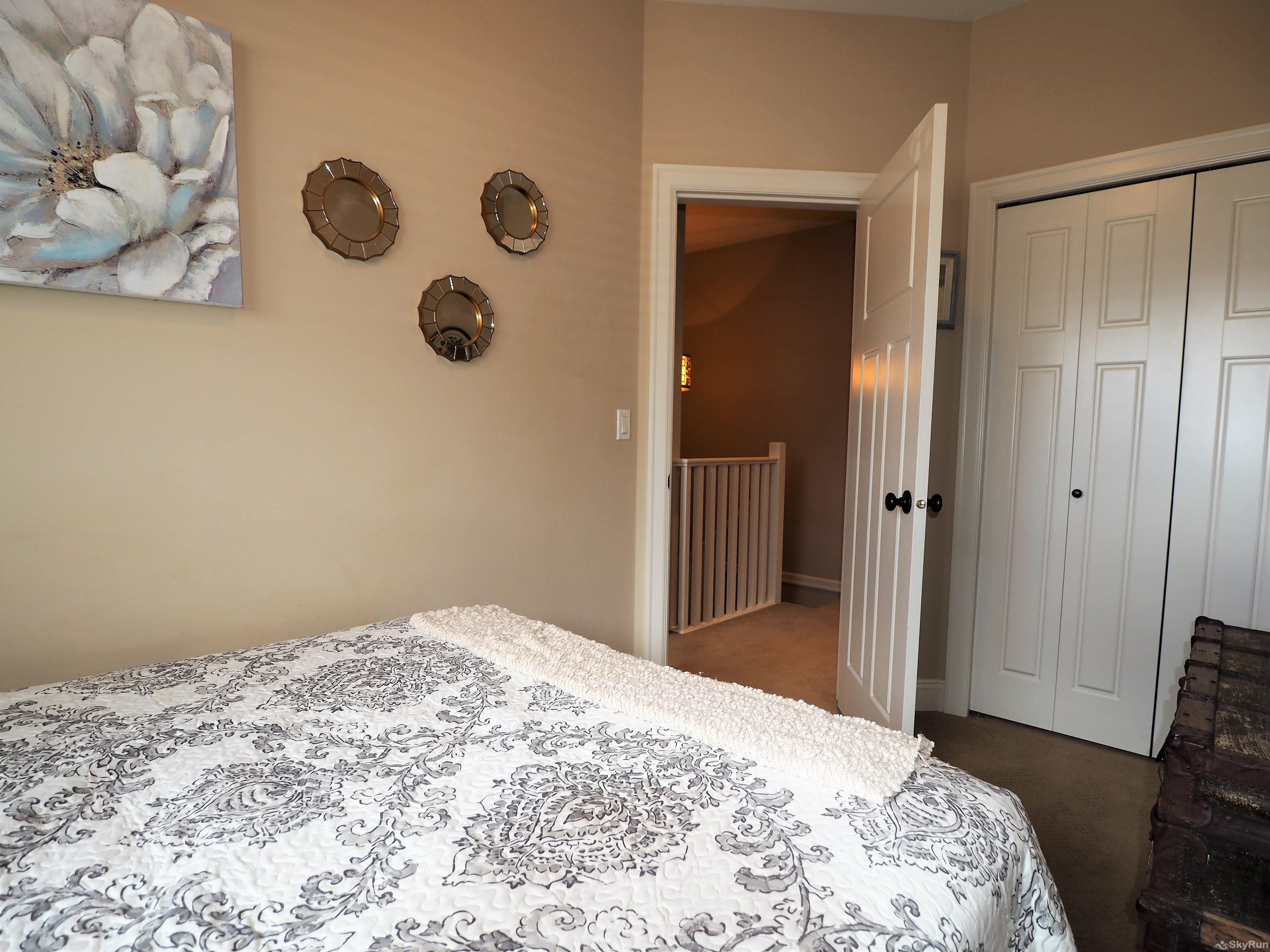 Old Summerland 3 bedroom home Roomy third upstairs bedroom with queen bed