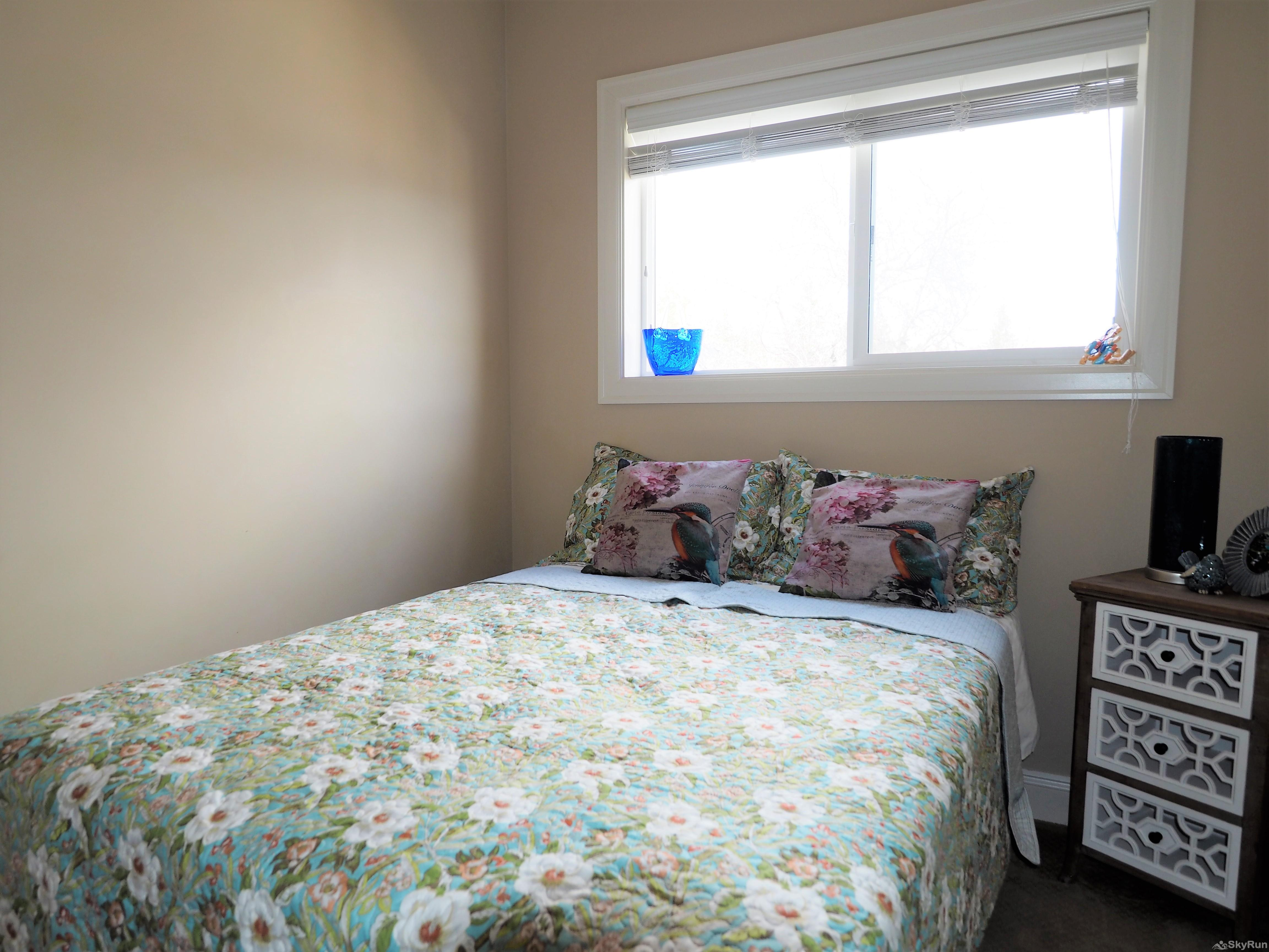 Old Summerland 3 bedroom home Large second bedroom upstairs with queen bed